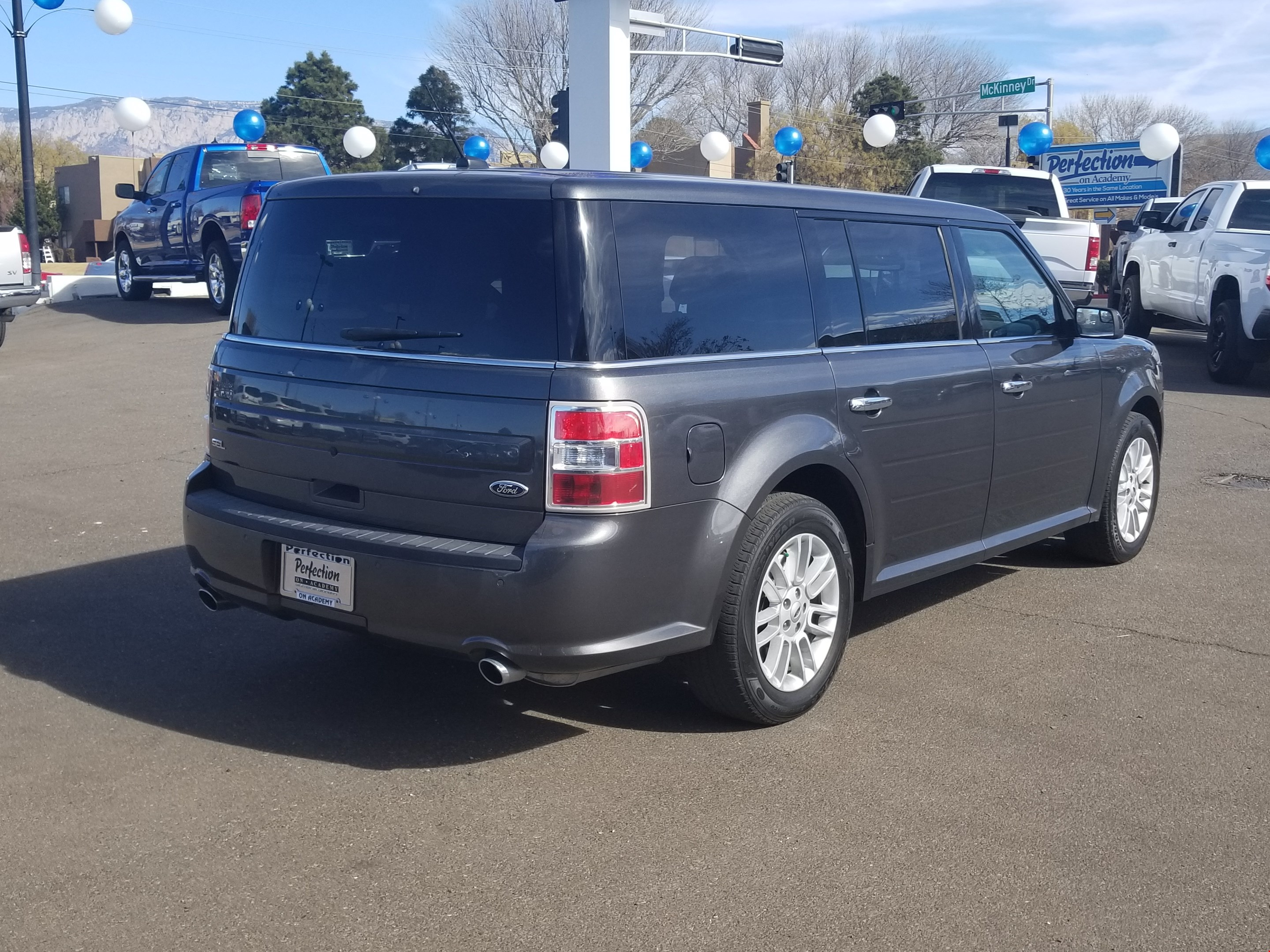 Pre Owned  Ford Flex Sel